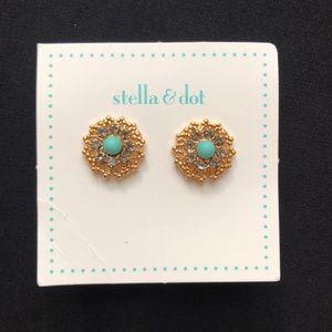 NWT - Stella & Dot Earrings.